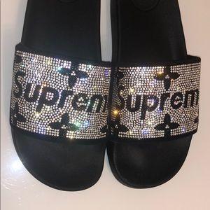 Women Supreme Slides.